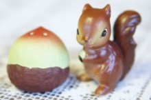 【Enesco】 Salt & Pepper Shaker Set