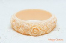 Light Beige Pink Floral Bangle
