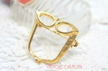 Gold Tone Glasses Brooch