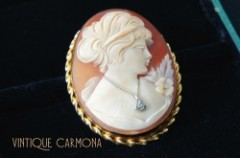 【Curtis Creations】 Cameo Brooch
