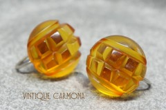 Bakelite Earrings : Carved Apple Juice