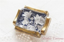 French Reverse Carved Lucite Brooch