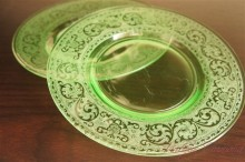 【Cambridge】 Etched Green Glass Plate Set