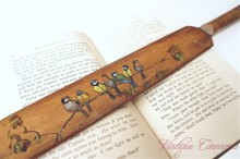 Wooden Page Turner : Hand Painted Birds