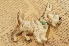 Early Prastic Scottie Dog Brooch