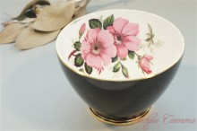 【OLD ROYAL BONE CHINA】 Sugar Bowl