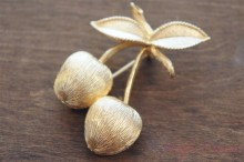 "【Sarah Coventry】 ""GOLDEN CHERRIES"" Brooch"