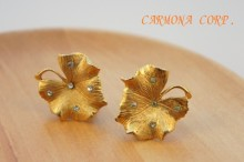 【Coro】 Leaf Motif Rhinestone Earrings