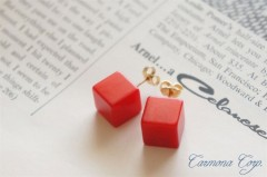 Bakelite Pierced Earrings : Red Cube