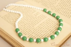 Glass Beads  Necklace Green + White