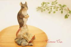 【Border Fine Arts】 Mouse on Applecore Figure