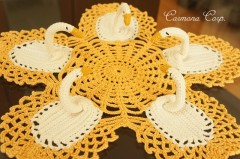 Handmade Lace Table Center : Swan