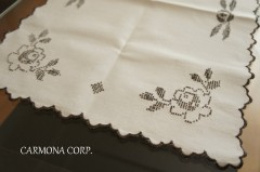 Embroidered Table Center : Flower