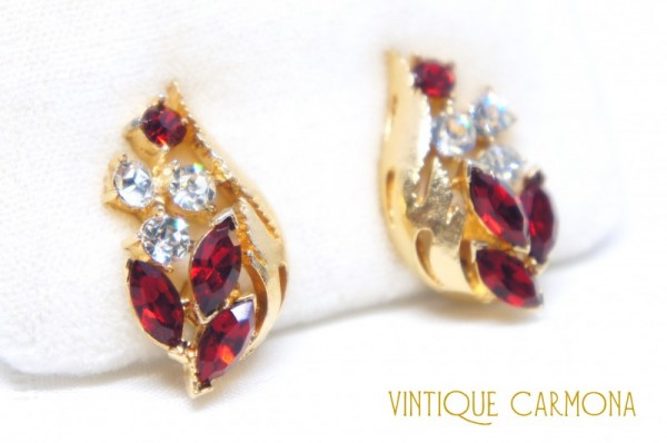 【Coro】  Red x Clear Rhinestone Earrings