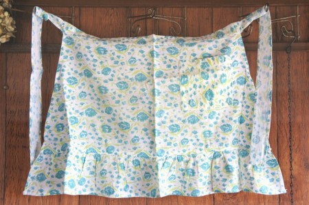 Flower Print Cafe Apron ( White x blue)