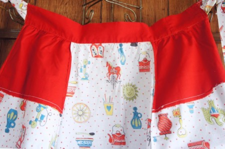 Red dot & Print  Cafe Apron