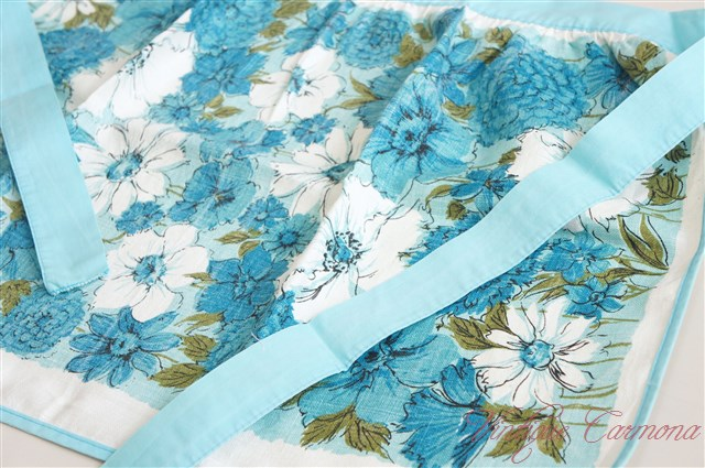 Linen Cafe Apron Blue Flowers