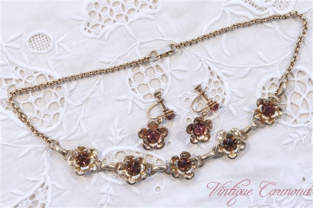 Flower Motif Necklace・Earrings Set