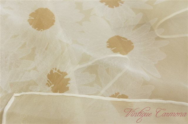 【Vera】 Sheer : Flowers & Butterfly Scarf