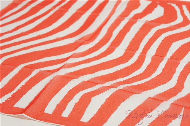 【Vera】 Sheer : Red & Abstract Scarf