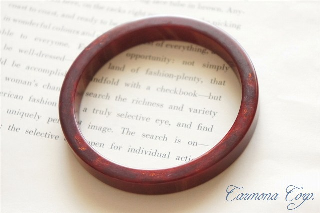 Bakelite Bangle : Cherry Red